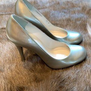 Stuart Weitzman metalic heels